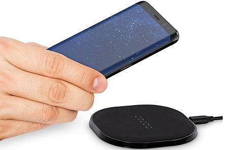 Как происходит беспроводная зарядка смартфона. Опасно ли заряжать гаджет беспроводным устройством?