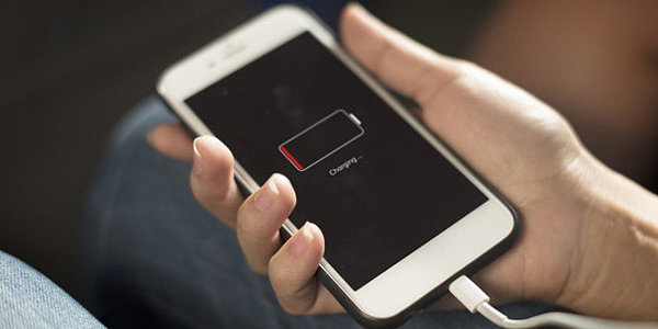 Телефон быстро разряжается: Причины износа аккумулятора в смартфоне