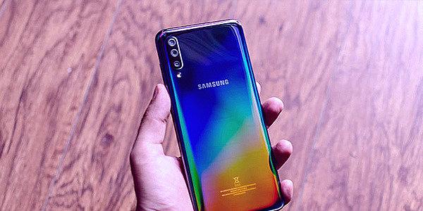 Обзор Samsung Galaxy A70: Мощный аккумулятор, высокая производительность
